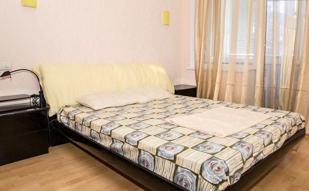 2-комнатная квартира посуточно в Харькове. Киевский район, Ольминского, 10. Фото 1