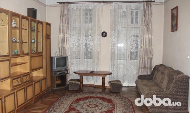 2-комнатная квартира посуточно в Львове. Галицкий район, ул. Лисенко, 6. Фото 1