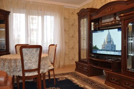 3-комнатная квартира посуточно в Киеве. Печерский район, б-р Леси Украинки, 24. Фото 1