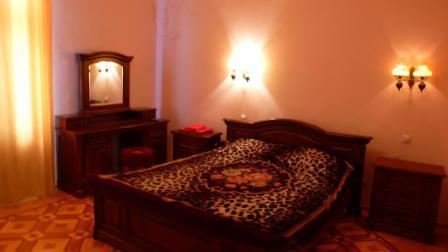 4-комнатная квартира посуточно в Львове. Галицкий район, проспект Шевченка, 21. Фото 1