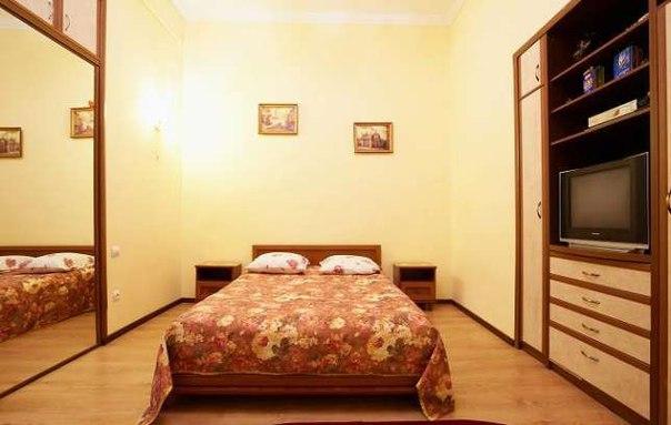 1-комнатная квартира посуточно в Львове. Галицкий район, ул. Театральная, 7. Фото 1
