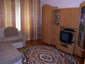 Двухкомнатная квартирапосуточно в Херсоне, Суворовский район, ул. Красностуденческая, 11. Фото 1