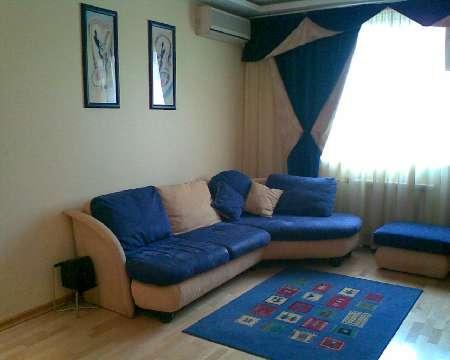1-комнатная квартира посуточно в Тернополе. ул. Степана Качалы, 1. Фото 1