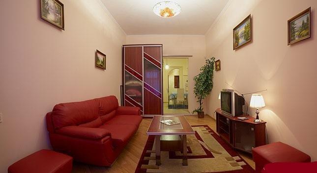 2-комнатная квартира посуточно в Львове. Галицкий район, ул. Пантелеймона Кулиша, 33. Фото 1