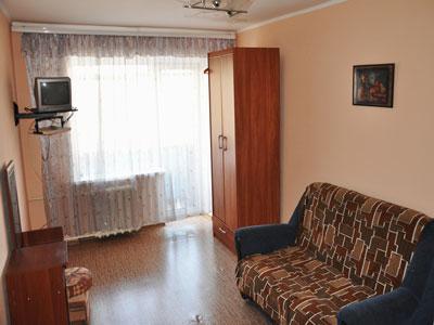 1-комнатная квартира посуточно в Днепропетровске. Октябрьский район, ул. Гагарина, 141. Фото 1