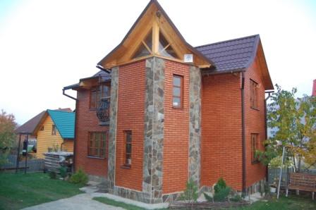 Дом посуточно в Яремче, Соломенский район, ул.Кропивянская. Фото 1