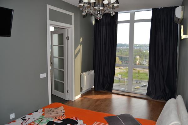 3-комнатная квартира посуточно в Киеве. Оболонский район, Героев сталинграда , 2Д. Фото 1