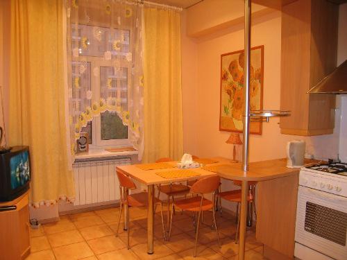 Однокомнатная квартирапосуточно в Тернополе, ул. Стадниковой, 1