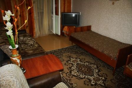 1-комнатная квартира посуточно в Феодосии. ул. Старшинова, 12. Фото 1