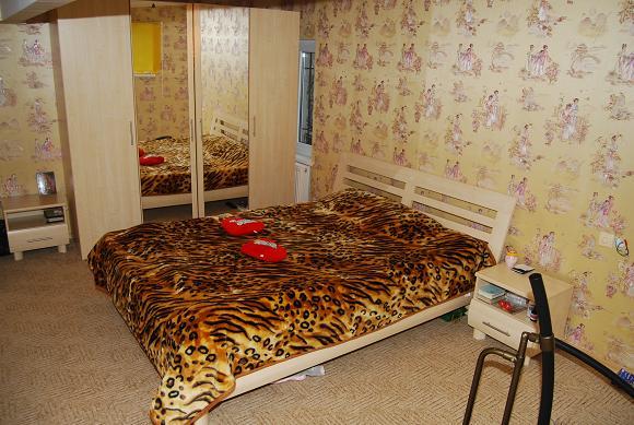 Двухкомнатная квартирапосуточно в Одессе. Приморский район, пер. Староконный, 5. Фото 1