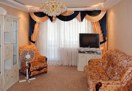 1-комнатная квартира посуточно в Киеве. Оболонский район, Героев Днепра, 40а. Фото 1