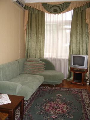 2-комнатная квартира посуточно в Киеве. Печерский район, Велика Васильківська, 29. Фото 1