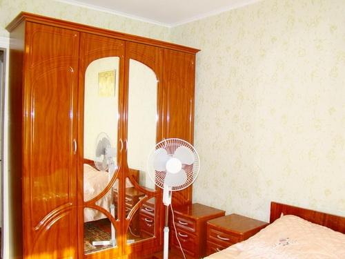 Двухкомнатная квартирапосуточно в Бердянске. Энгельса, 41. Фото 1