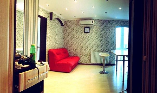 2-комнатная квартира посуточно в Донецке. Ворошиловский район, проспект Комсомольский, 32. Фото 1
