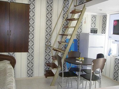 Дом  посуточно в Ялте. Центр Ялты район, ул. Руданского, 9. Фото 1