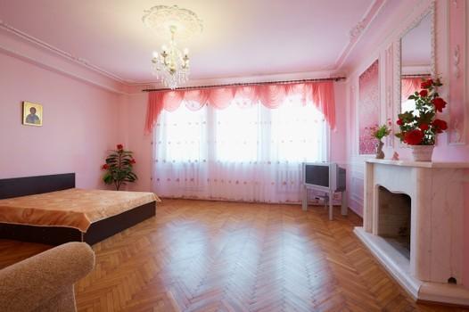 Однокомнатная квартирапосуточно в Львове. Галицкий район, ул. Краковская, 16. Фото 1