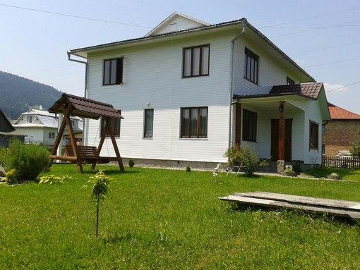 Дом посуточно в Верховине. ул. Параджанова, 11. Фото 1