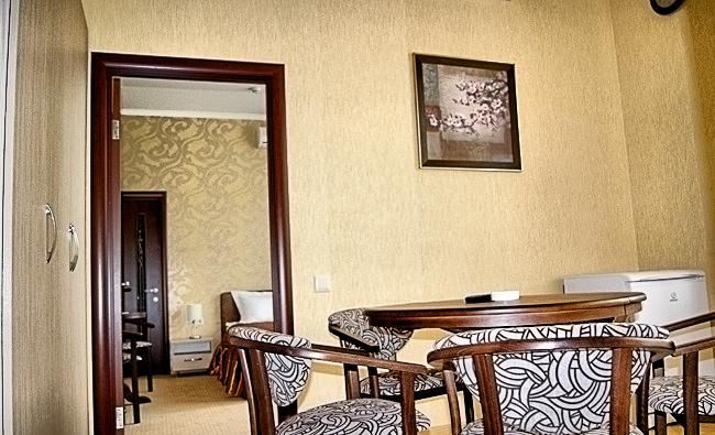 Двухкомнатная квартирапосуточно в Одессе. жилмасив Совиньон, пер. Южносанаторный, 2. Фото 1