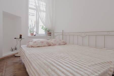 3-кімнатна квартираподобово в Одесі. Приморський район, вул. Канатна, 84. Фото 1