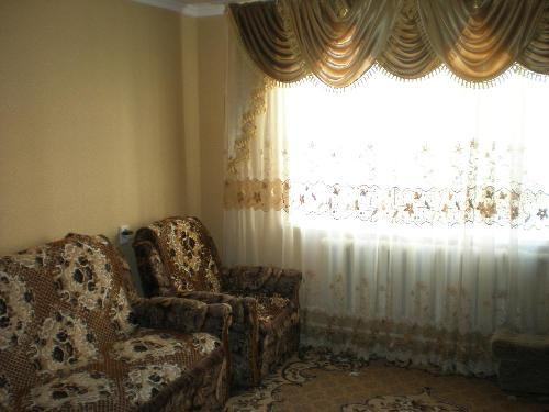 Двухкомнатная квартирапосуточно в Саках, ул. Курортная, 27