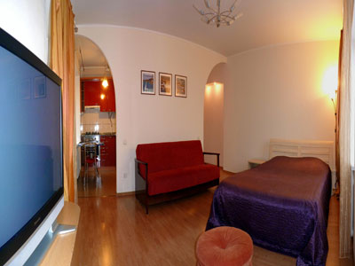 1-комнатная квартира посуточно в Севастополе. Ленинский район, ул. Советская, 3. Фото 1