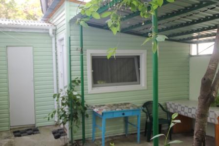 Дом  посуточно в Феодосии. ул.Федько, 12. Фото 1