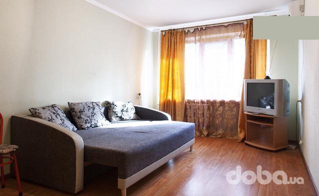 1-комнатная квартира посуточно в Одессе. Малиновский район, ул. Академика Филатова, 57. Фото 1
