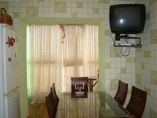 1-комнатная квартира посуточно в Ильичёвске. Пригород район, ул.1 Мая, 19. Фото 1