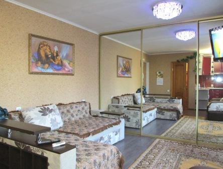 Однокомнатная квартирапосуточно в Бердянске. ул. Мазина, 45/2. Фото 1