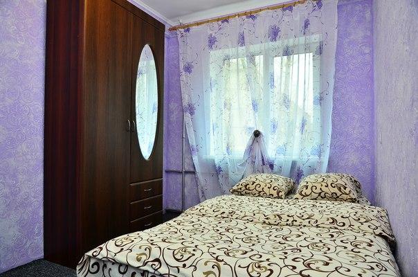 2-комнатная квартира посуточно в Киеве. Соломенский район, ул. Метростроевская, 4. Фото 1