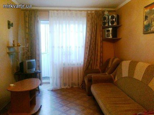 Двухкомнатная квартирапосуточно в Бердянске. ул. Розы Люксембург, 50. Фото 1