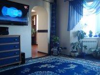 Трехкомнатная квартирапосуточно в Киеве, Подольский район, ул. оболонская, 47. Фото 1
