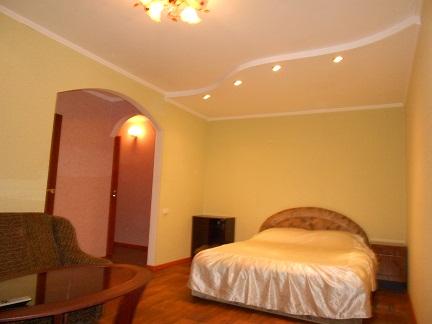 1-комнатная квартира посуточно в Черкассах. ул. нечуя левицького. Фото 1