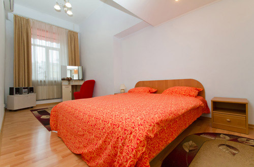 1-комнатная квартира посуточно в Запорожье. Орджоникидзевский район, Бульвар Центральный. Фото 1
