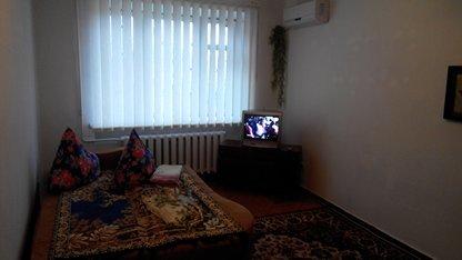 Двухкомнатная квартирапосуточно в Мелитополе.  пр-т Б. Хмельницкого, 31. Фото 1