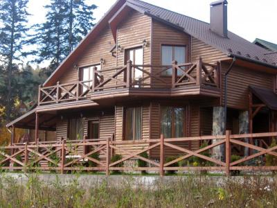 Дом  посуточно в Мигово. ул. Буковинская, 214. Фото 1